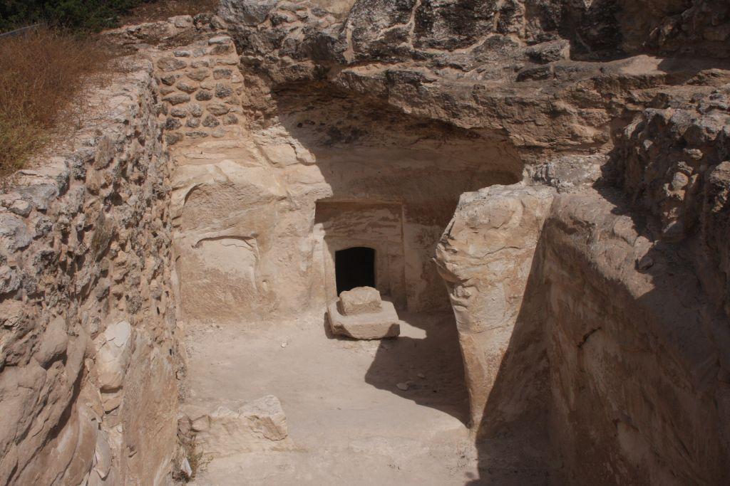 The Burgin burial cave (Photo credit: Shmuel Bar-Am)