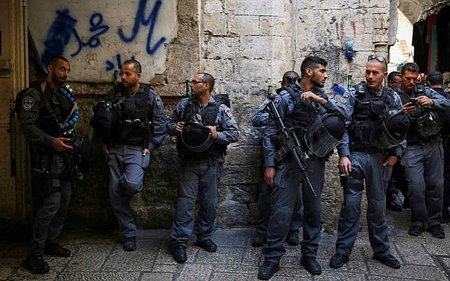 Illustrative photo of Israeli Border Police standing guard in Jerusalem's Old City, on Monday, October 13, 2014. (Hadas Parush/Flash90)