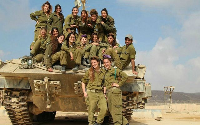 Tank instructors at an Armored Corps base in the south (photo credit: IDF Spokesperson's Unit)