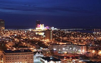 Atlantic City at night (Photo credit: CC-BY Ron Miguel/Wikimedia Commons)