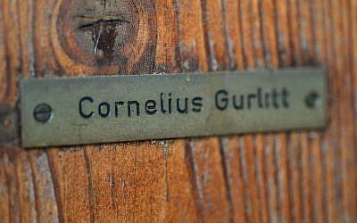 The name plate of Cornelius Gurlitt on the door of his house in Salzburg, November 19, 2013. (AFP/WILDBILD)