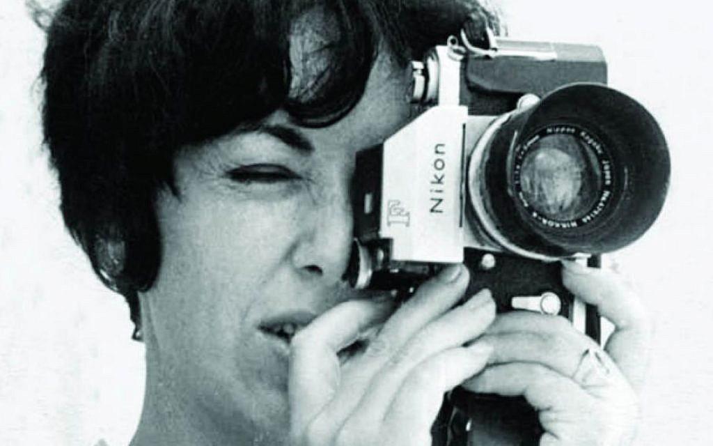 Sylvia in her identity as Canadian news photographer Patricia Roxburgh. (Courtesy of Keshet Publishing)