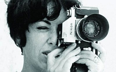Sylvia in her identity as Canadian news photographer Patricia Roxburgh. (Courtesy of Keshet Publishing)