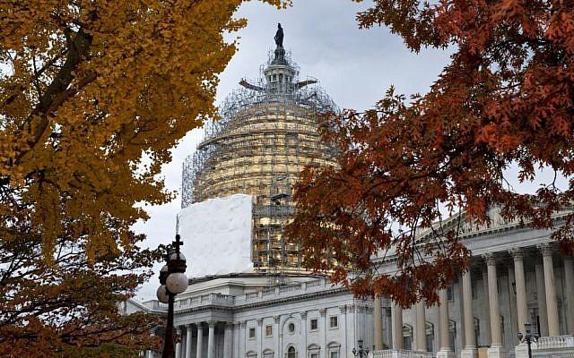 The Capitol in Washington as it undergoes repair work, November 13, 2014 (Photo credit:J. Scott Applewhite/AP)