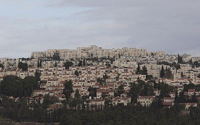 A general view of the neighborhood of Ramot, most of which lies over the Green Line. (Yonatan Sindel/Flash90)