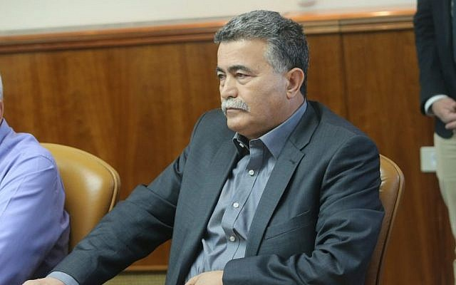 Minister of Environmental Protection, Amir Peretz, at the weekly cabinet meeting on Sunday, November 9, 2014, during which he announced his resignation from the government following his public criticism of the prime minister over the budget. (Photo credit: Alex Kolomoisky/POOL)