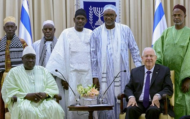 President Reuven Rivlin meets with a delegation of imams from Senegal, at the President's Residence in Jerusalem on November 27, 2014. (photo credit: Mark Neyman/GPO/FLASH90)