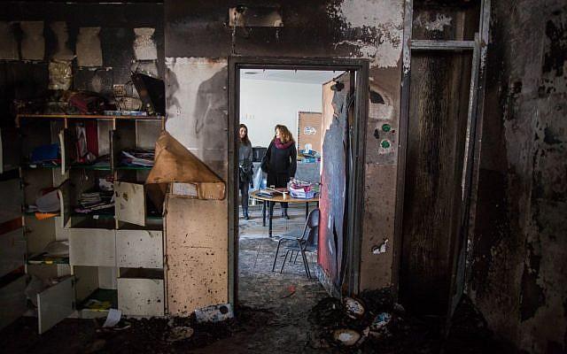 A burned classroom in a bilingual Hebrew-Arabic school in Jerusalem on November 30, 2014. (Photo credit: Yonatan Sindel/Flash90)