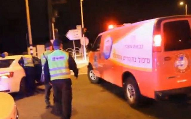 Emergency units at the scene of a chemical leak in Emek Hefer on November 6, 2014. (Screen capture: Ynet)