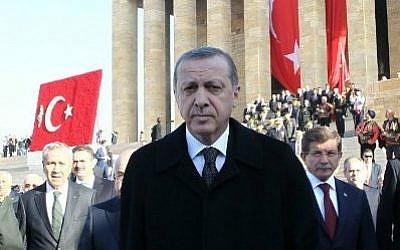 Turkish President Recep Tayyip Erdogan (C) at a  ceremony at the mausoleum of Mustafa Kemal Ataturk, Turkish Republic's founder, marking the anniversary of his death, on November 10, 2014 in Ankara (photo credit: AFP/Adem Altan)