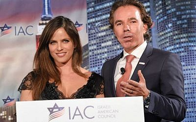 Israeli American Council founder and chairman Shawn Evenhaim and actress Noa Tishby at the council's first national meeting in Washington, Nov. 7, 2014. (Shahar Azran/JTA)