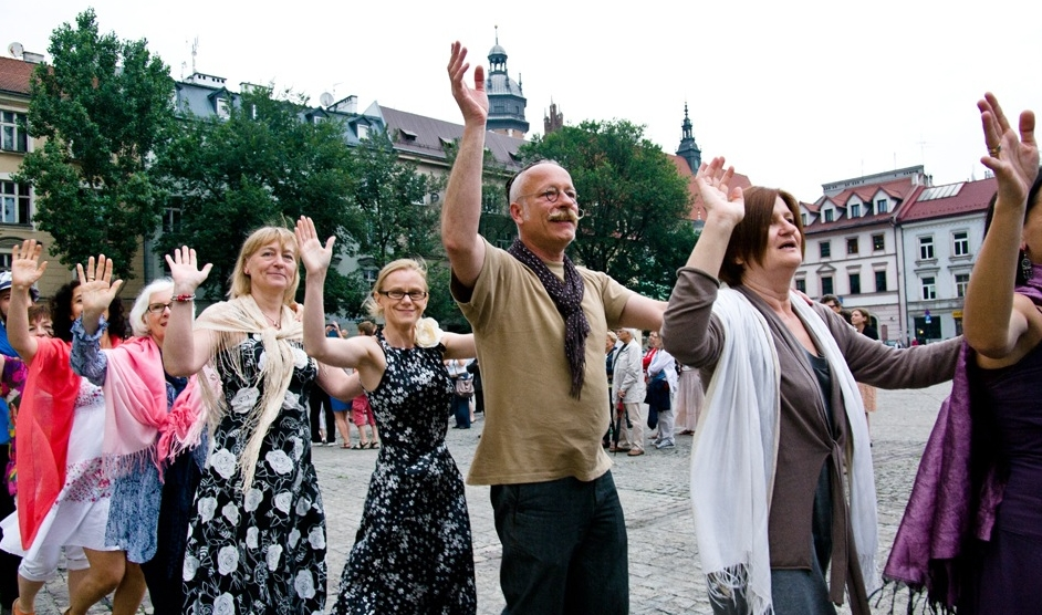 Revelers dancing at the Jewish Culture Festival in Krakow, one of many Jewish culture festivals in Poland. (Photo credit: Wojciech Karlinski)