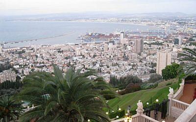 The city of Haifa seen from the Haifa promenade. (Shmuel Bar-Am)