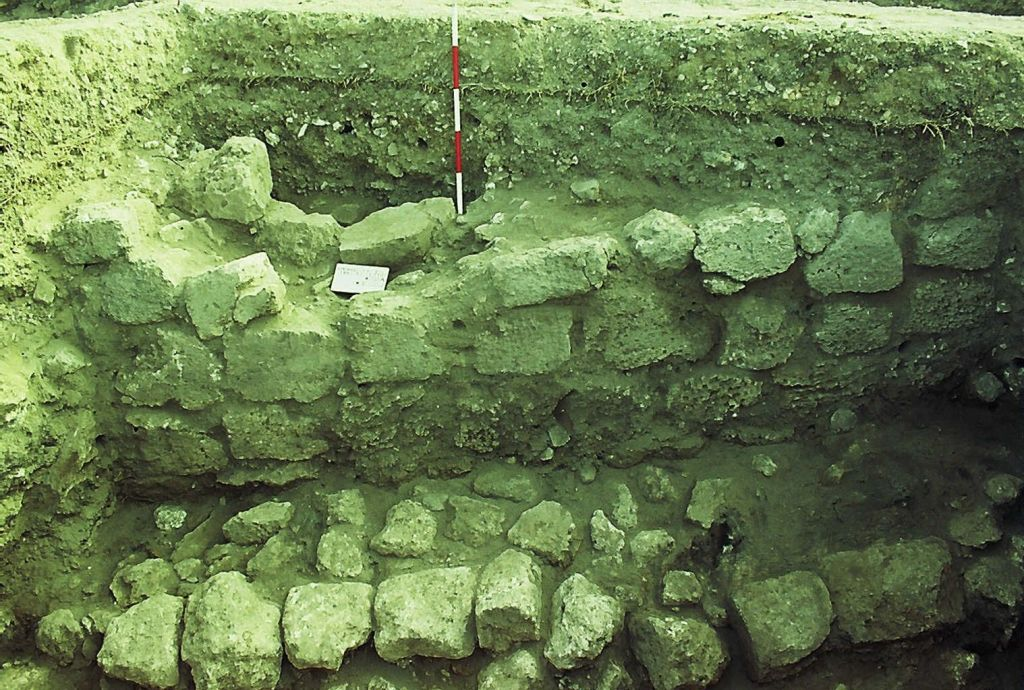 Part of the wall and ramp found during Aviram Oshri's excavations in Bethlehem of the Galilee (Courtesy Aviram Oshri)