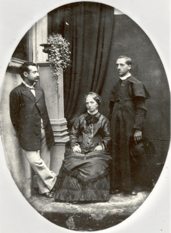 Edgardo Mortara (right) with his mother and brother, c. 1880 (public domain via wikipedia)
