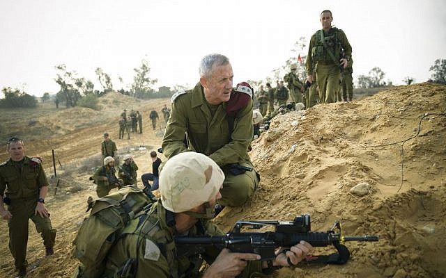 Benny Gantz visiting a training drill on November 13, 2014. (photo credit: Gadi Yampel/IDF Spokerperson/Flash90)