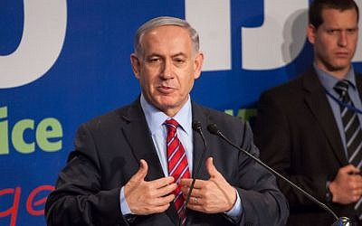 Prime Minister Benjamin Netanyahu addresses the foreign media at a press conference in Jerusalem, on December 17, 2014. (photo credit: Emil Salman/Flash90, Pool)