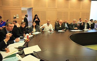 Members of the Knesset House Committee approve the final draft of a bill to dissolve the Knesset, Monday, December 8, 2014 (photo credit: Knesset spokesperson's office)