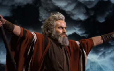 Scene from the 1956 movie The Ten Commandments where Moses 'parts' the sea to save the Hebrew slaves from the Egyptians. (Screenshot: YouTube)
