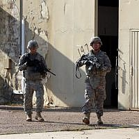 American soldiers at a base complex in Iraq, December 29, 2014 (AFP/ALI AL-SAADI)