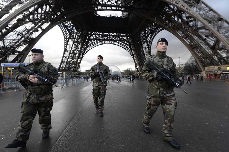 Eiffel Tower shut after suspicious person seen scaling monument ... 56480a5a5db29