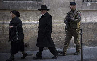 Illustrative photo of Jews in Paris, January 12, 2015. (AFP Photo/Joel Saget)
