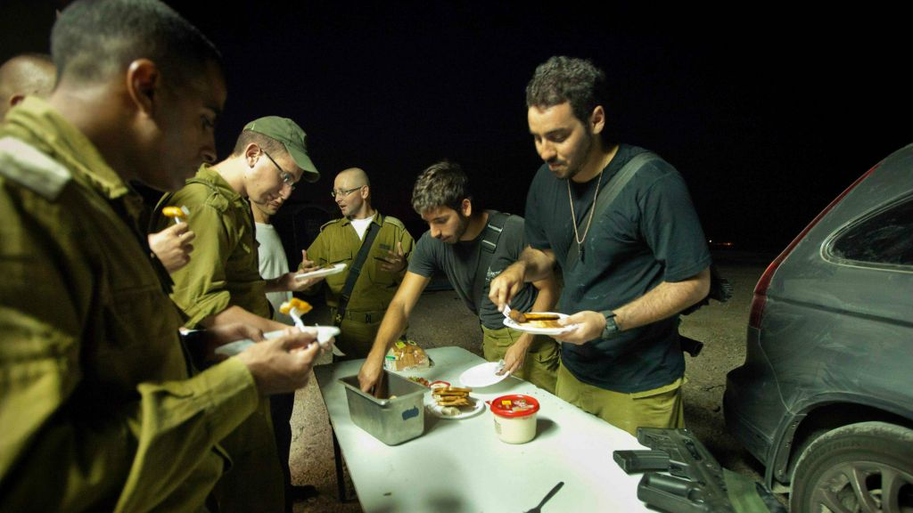 It will take some time for the army's new, healthier menu to change what is served for field rations, said Colonel Avi Harel (photo credit: Moshe Shai/Flash 90)