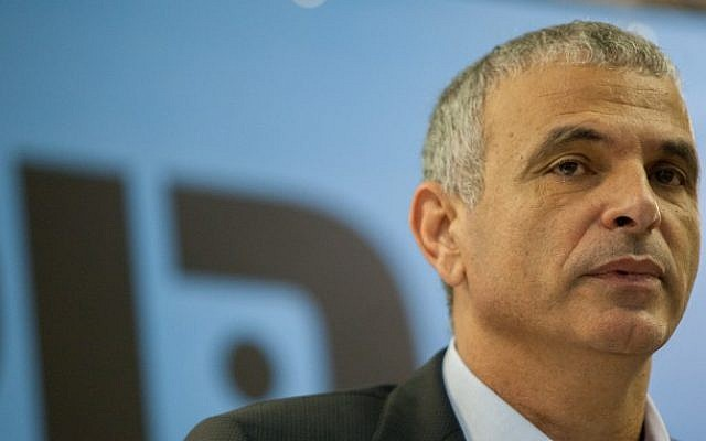Leader of the Kulanu political party Moshe Kahlon seen during a joint press conference with Rachel Azaria in Jerusalem, on January 6, 2015. (photo credit: Ben Kelmer/Flash90)