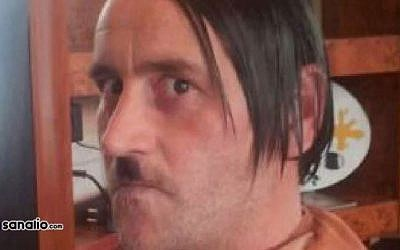 A photo allegedly showing leader of the German PEGIDA anti-Islam movement Lutz Bachmann posing as Hitler. (screen  capture: YouTube/Pasali News)