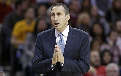Cleveland Cavaliers head coach David Blatt talks to a referee during an NBA basketball game against the Indiana Pacers in Cleveland. (photo credit: AP Photo/Tony Dejak, File)