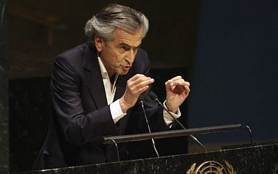 French Jewish philosopher Bernard-Henri Levy addresses a special session of the United Nations General Assembly on anti-Semitism, January 22, 2015 (AP/Richard Drew)