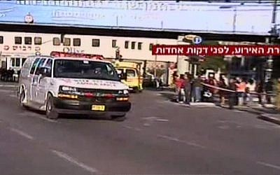 An ambulance leaving the scene of a stabbing in Tel Aviv on January 21, 2015. (screen capture: Channel 2)