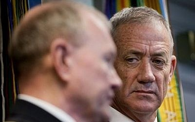 Israeli Chief of Staff Benny Gantz (right) listens as US Joint Chiefs of Staff Gen. Martin E. Dempsey answers a question during their joint news conference at the Pentagon, January 8, 2015. (photo credit: AP/Pablo Martinez Monsivais)