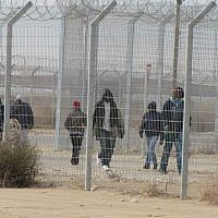 Detainees at Holot detention center, January 17, 2015. (Nehama Shimnovic/File)