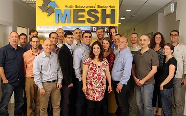 MESH entrepreneurs gather for a group photo (Photo credit: Courtesy)