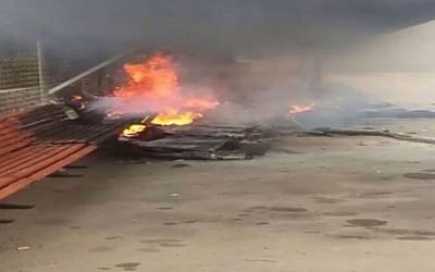 The wreckage of a light plane that crashed in the city of Rishon Lezion, Sunday, January 25, 2015 (screen capture: Channel 2)
