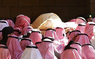 The body of Saudi King Abdullah bin Abdul Aziz is carried during his funeral at Imam Turki Bin Abdullah Grand Mosque on January 23, 2015 in Riyadh (photo credit: AFP/STR)