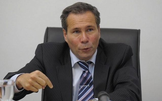 Alberto Nisman gives a news conference in Buenos Aires on May 20, 2009. (AFP Photo/Juan Mabromata)