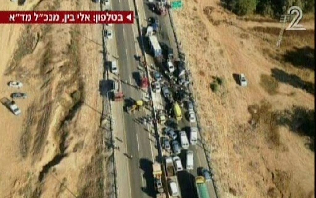 The scene of a deadly pileup in the Negev, Tuesday, February 3, 2015 (screen capture: Channel 2)