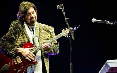 Alan Parsons of the Alan Parsons Project rocks down in Tel Aviv on February 10, 2015. (Courtesy Ran Rahav)