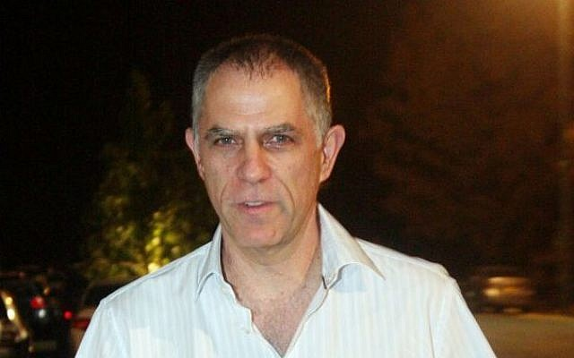 Publisher and owner of the Yedioth Ahronoth newspaper Arnon 'Noni' Mozes in Tel Aviv, March 26, 2014. (photo credit: Roni Schutzer/Flash90)