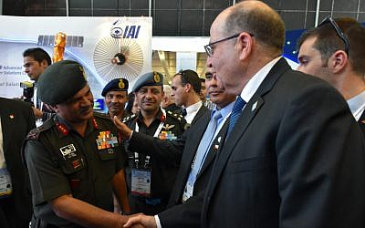 Moshe Ya'alon at a defense expo in Bangaluru, India, on February 18, 2015. (Photo credit: Ariel Hermoni/Defense Ministry)