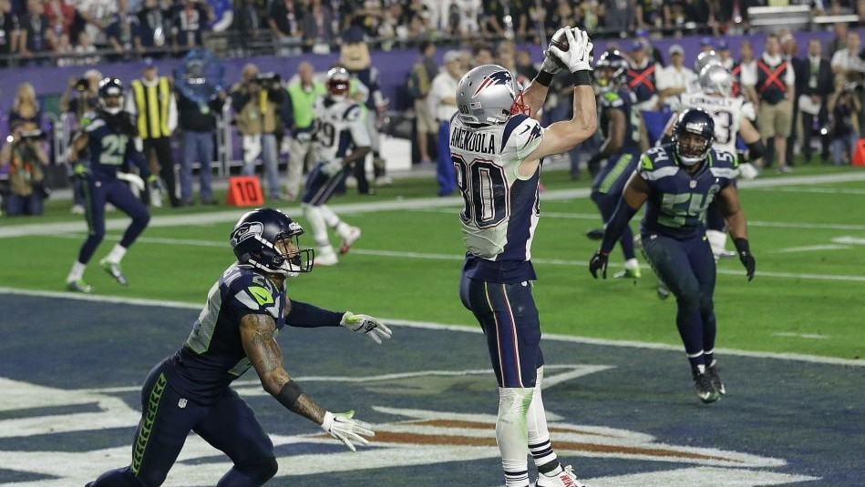 67e774c08 New England Patriots wide receiver Danny Amendola (80) catches a 4-yard  touchdown
