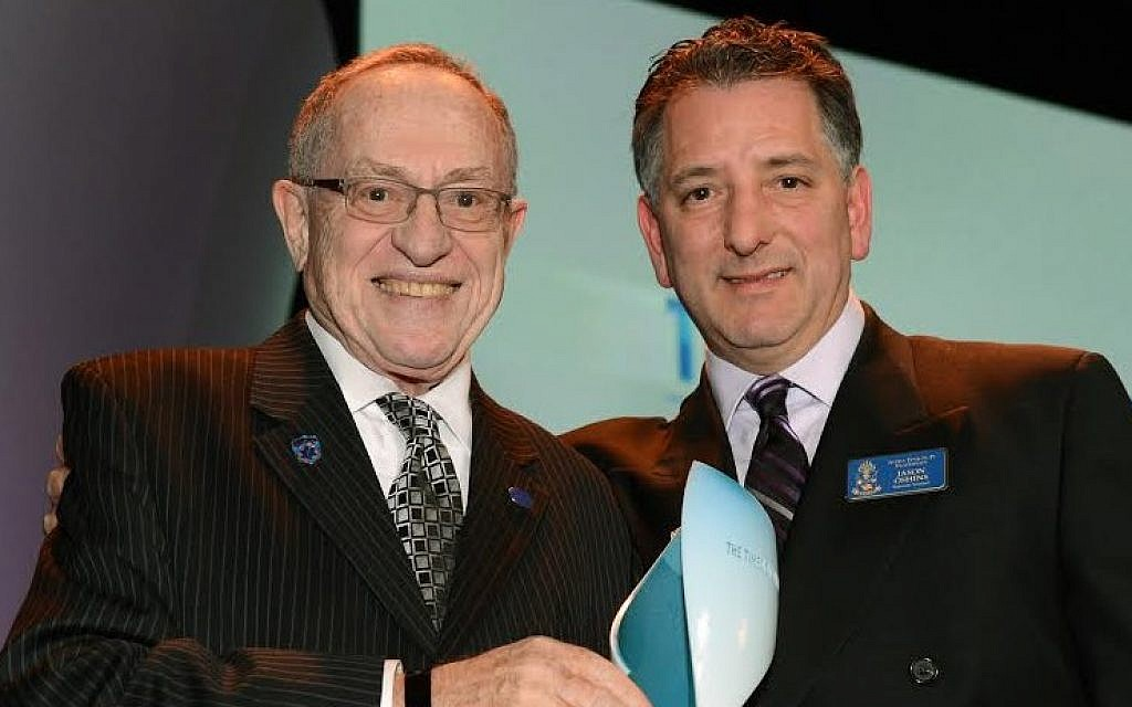 Alan Dershowitz with Jason Oshins at The Times of Israel Gala in New York, February 15, 2015 (photo credit: Peter Halmagyi)