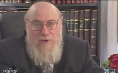 Rabbi Mendel Epstein, accused of torturing men into granting their wives a Jewish divorce for $50,000, begins trial on February 17, 2015. (Photo credit: YouTube screenshot)