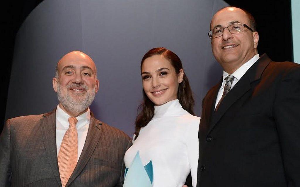 Ron Prosor, Gal Gadot and Ido Ahharoni at The Times of Israel's New York Gala, February 15, 2015 (photo credit: Peter Halmagyi)