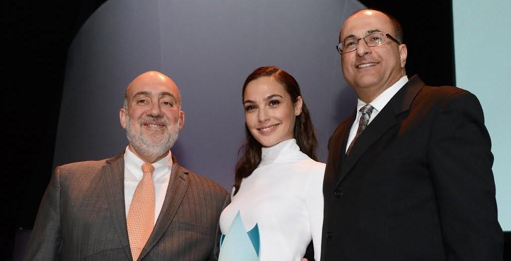 Ron Prosor, Gal Gadot and Ido Aharoni at The Times of Israel's New York Gala, February 15, 2015 (photo credit: Peter Halmagyi)