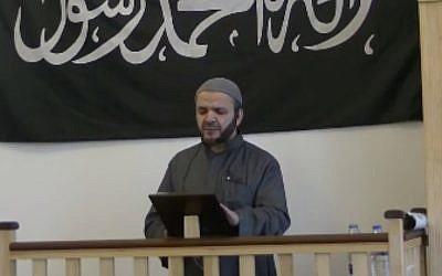 Hajj Saeed, Imam of the Al-Faruq Mosque in Copenhagen, Denmark, delivering a Friday sermon on February 13, one day before the Copenhagen terror attacks. (MEMRI TV screen capture)