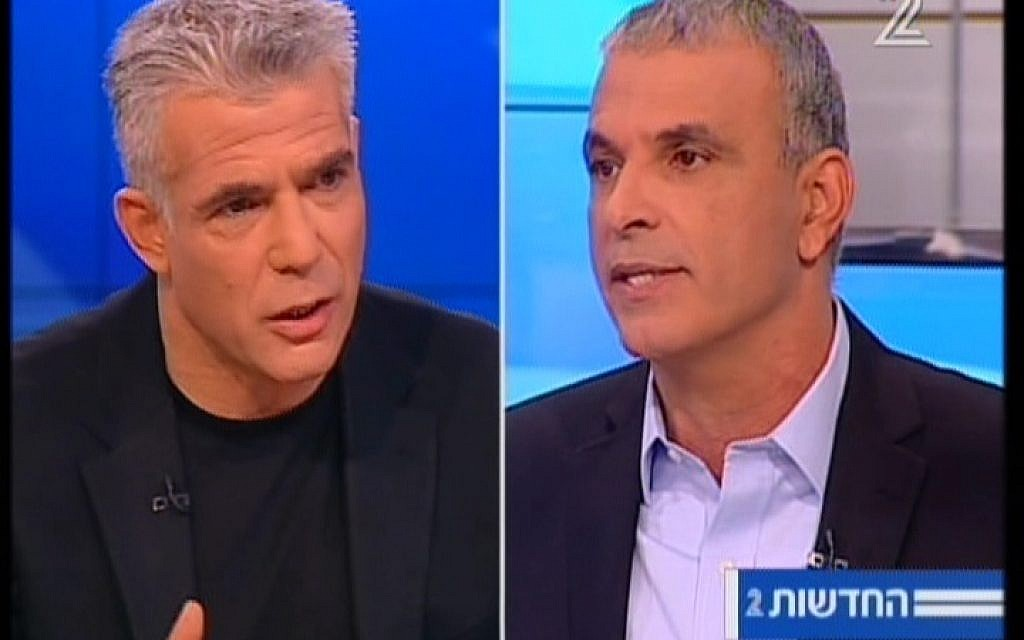 Yair Lapid, left, and Moshe Kahlon arguing during a televised debate on February 26, 2015. (Screen capture: Channel 2)