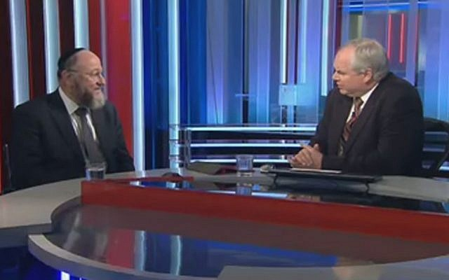 British Chief Rabbi Ephraim Mirvis in an interview with Sky News on January 27, 2015. (screen capture: YouTube/Sky News)